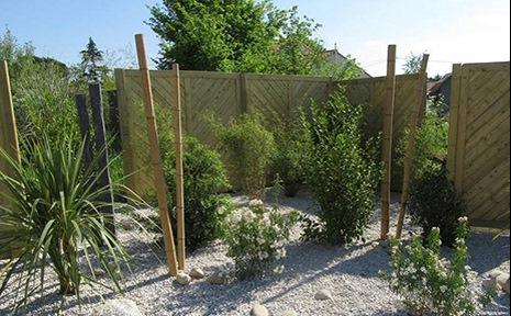 Massif déco et clôture en bois